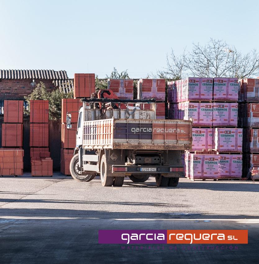 transporte de materiales de construcción en león